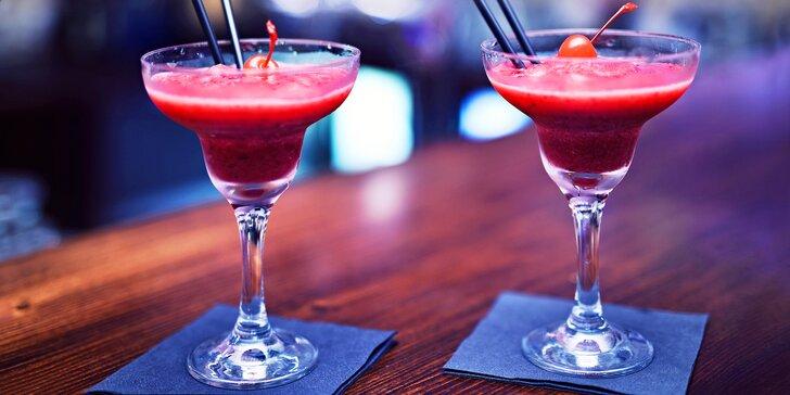 Dva koktejly dle vašeho výběru v baru na Starém Městě
