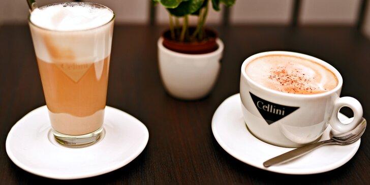 Dvě kávy v novém café & clubu blízko Národní: v nabídce i frappé či se zmrzlinou