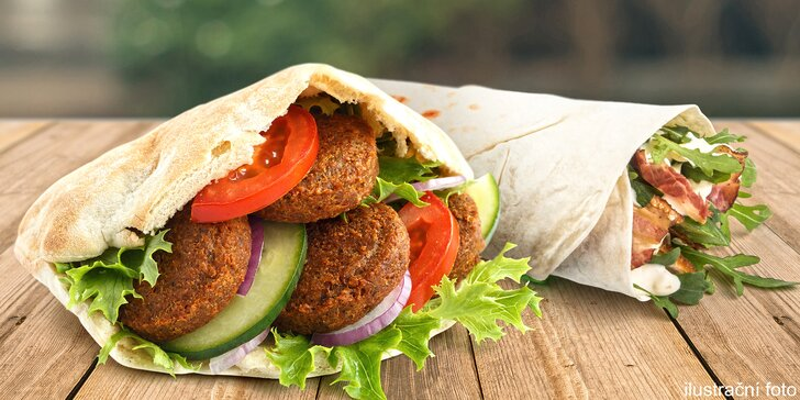 Dobrota do ruky s sebou: hovězí kebab nebo falafel v tortille, v chlebu i se salátem
