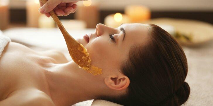Kosmetické ošetření bio přípravky Dr. Hauschka a lymfatická masáž dekoltu