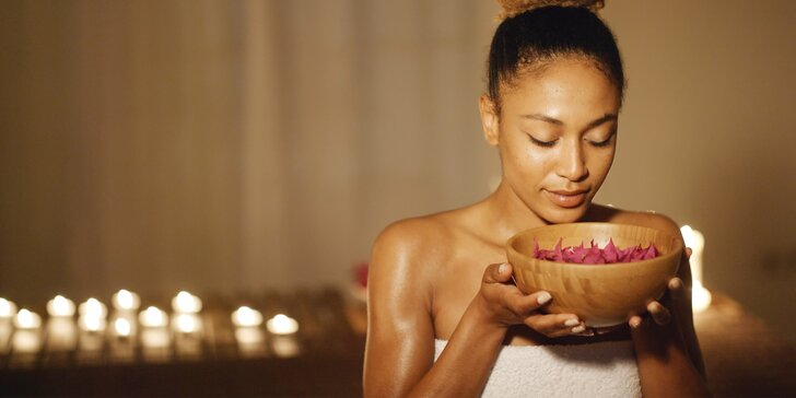 Rozmazlete se: masáž obličeje, Aroma oil masáž těla a hodina v sauně k tomu