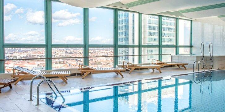 Luxusní ubytování pro 2 se snídaní a neomezeným wellness ve 4* hotelu Panorama