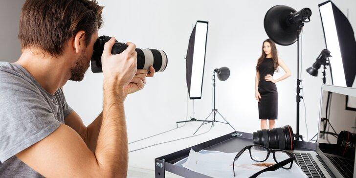Naučte se vyfotit portrét v interiéru i exteriéru: jednodenní kurz s modelkami