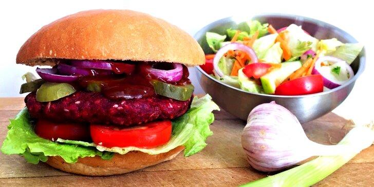 Bašta nejen pro vegany: vege burger dle vašeho výběru + salát i s rozvozem