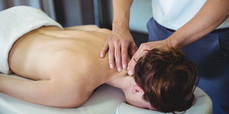 Fyzioterapie s masáží či tejpováním pro odbourání bolesti krční páteře a hlavy