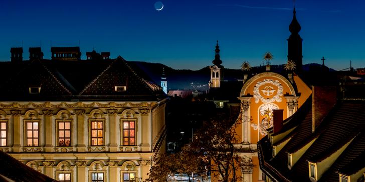 Tradiční řemeslné výrobky a pochoutky na adventních trzích ve štýrském Grazu