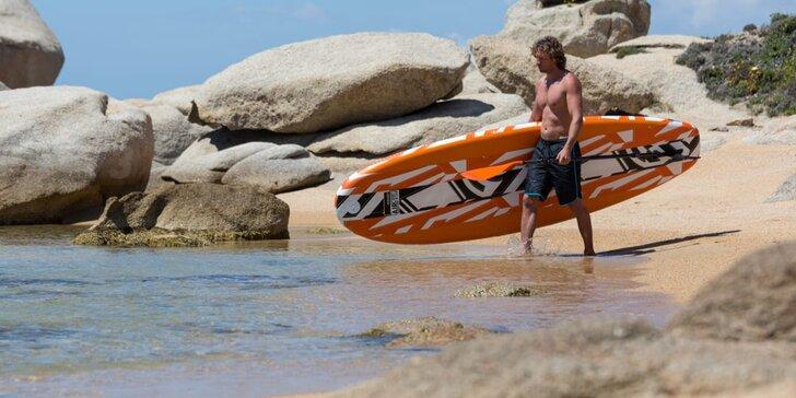 Vyjeďte na vodu jinak: půjčení rodinného paddleboardu