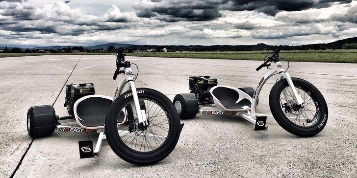 Rozjeďte to: 10 min. driftu po letištním okruhu na prototypu motorové tříkolky
