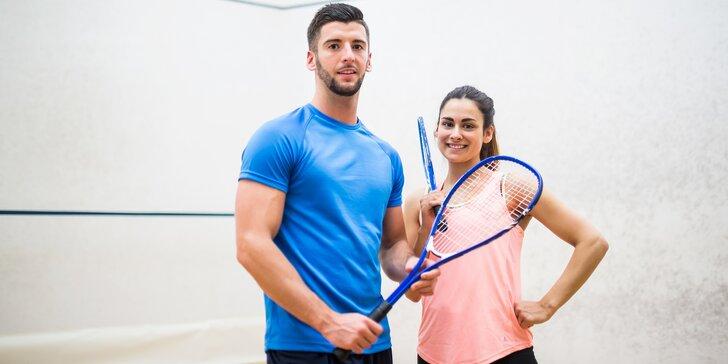 Neučte se odpalovat: lekce squashe s trenérem a iontový nápoj k tomu
