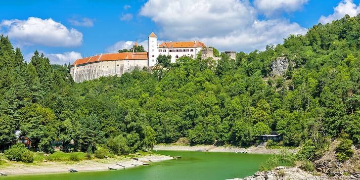 Pohoda pro 4 u Vranovské přehrady: Relaxační pobyt s grilovačkou na pláži