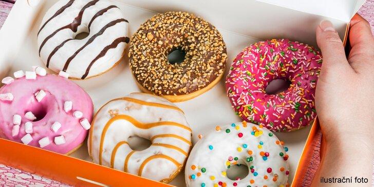 Sladká svačina do ruky: 2, 3 nebo 6 pečených špaldových donutů v krabičce