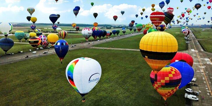 Zažijte Balónovou Fiestu: Hodinový let po nebi plném horkovzdušných balónů