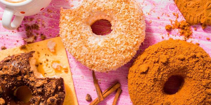 Svačina, která bodne: hezky vláčné donuty z kynutého těsta ve Vodičkově ulici