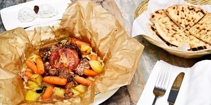 Chlouba řecké kuchyně: telecí specialita kleftiko moscharaki pečená v pergamenu