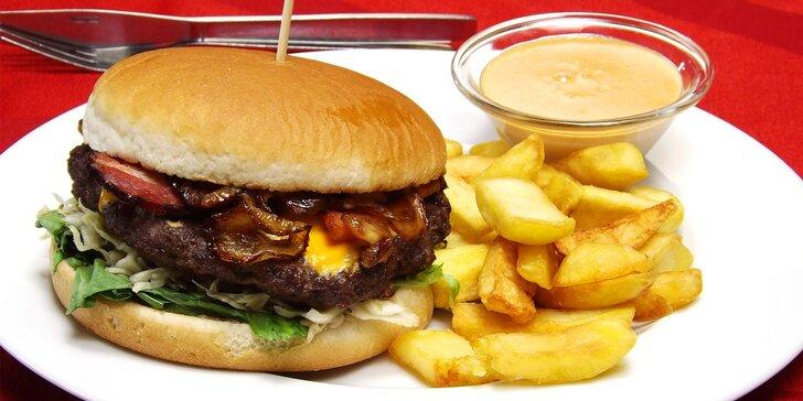 Hamburger s hranolky i dipem: hovězí, s kuřecím prsem či se smažákem