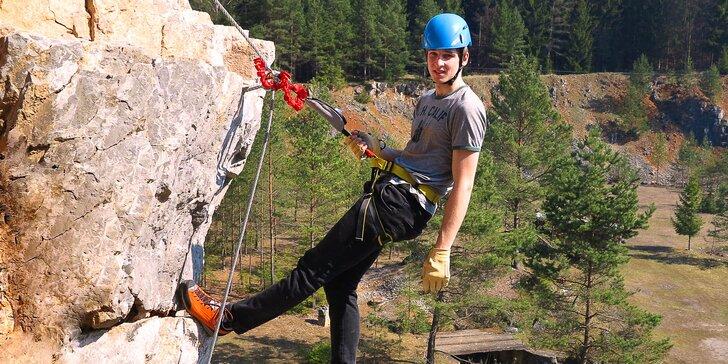 Jednodenní zážitkový kurz via ferrata lezení včetně instruktáže v Moravském krasu