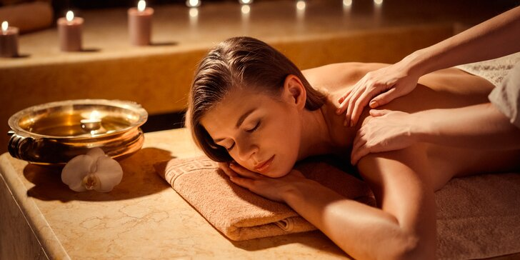 Bolí vás záda? Zkuste thajskou masáž: tradiční, aroma, kokosovou nebo párovou