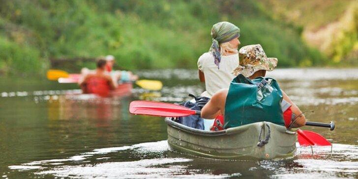 Zdolejte Berounku: půjčení kánoí či raftů pro 2, 3 či 6 vodáků na celý víkend