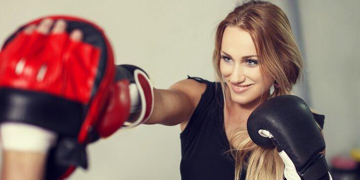 Dámy, tohle vás dostane do formy: lekce kickbox aerobicu