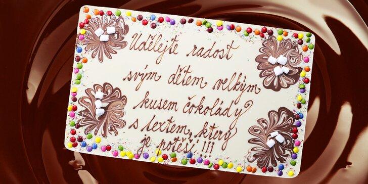 Když sladké mluví z duše: 1500gramová čokoláda se zdobením a textem dle výběru