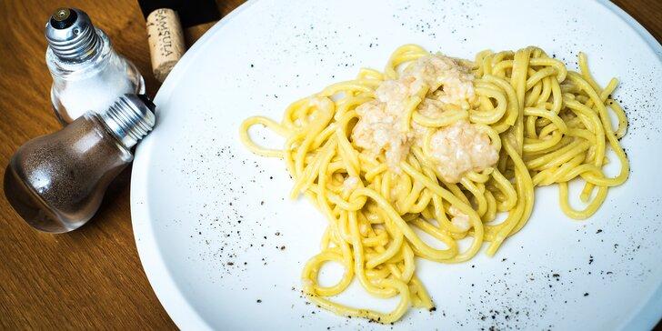Luxusní italské menu vč. špaget připravených v bochníku pravého parmezánu