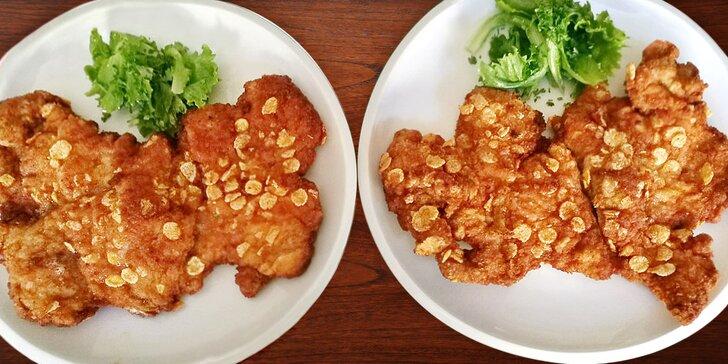 Na jídlo k Hanouskům: Dva 350gramové vepřové řízky v hnačovské restauraci