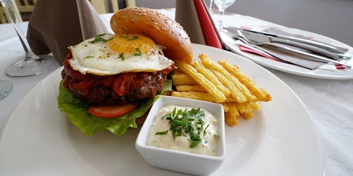 Takhle chutná kvalita: Burger s 200 gramy prvotřídního hovězího masa