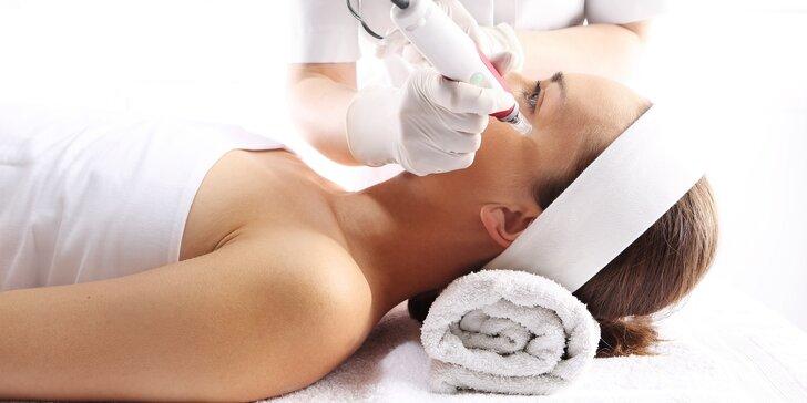 Profesionální ošetření aknózní pleti na klinice Body & Face clinique
