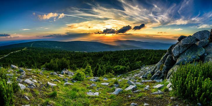 Hurrá do Harrachova: Podzimní pobyt pro 2 v Krkonoších s polopenzí