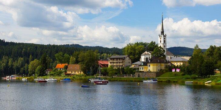 Podzimní odpočinek na Lipně: Penzion přímo u jezera, polopenze i bazén