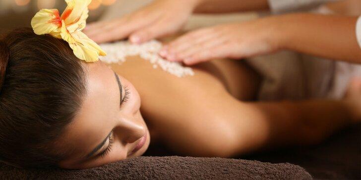 Dokonalé uvolnění těla: Profesionální masáž dle výběru v luxusním salonu