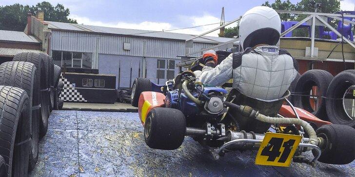 Až 45 minut adrenalinové jízdy v motokáře na vymakané trati