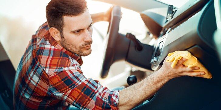 Čištění interieru a exteriéru auta suchou párou pro vaše příjemnější cestování