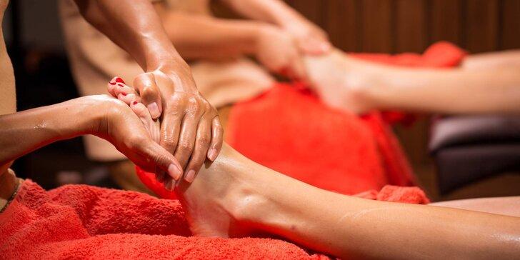 Hýčkání v salonu thajské masáže Ban Thai: 30min reflexní masáž chodidel