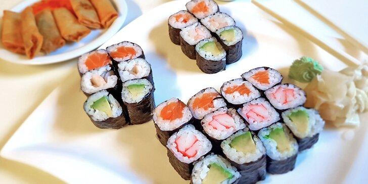 Asijské dobroty s sebou: polévka, 24× sushi maki ve 4 verzích a 6× minizávitek