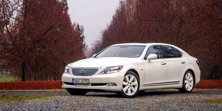 Na dvě hodiny vaše: pronájem luxusní limuzíny Lexus LS 600 s řidičkou