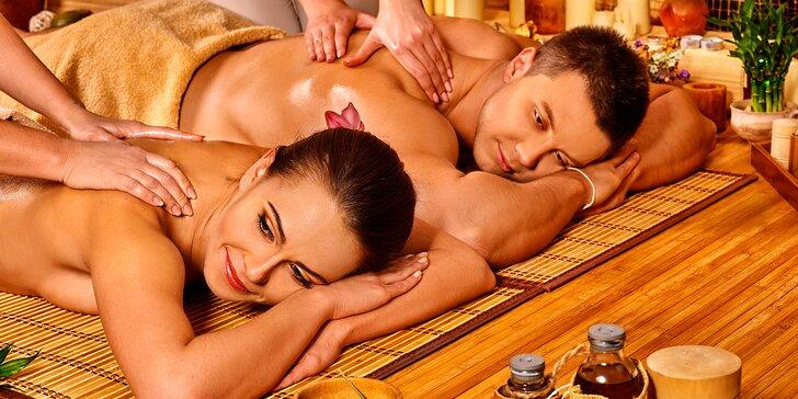 Dvojnásobné potěšení: hodinová párová masáž – tradiční thajská, olejová či teplá