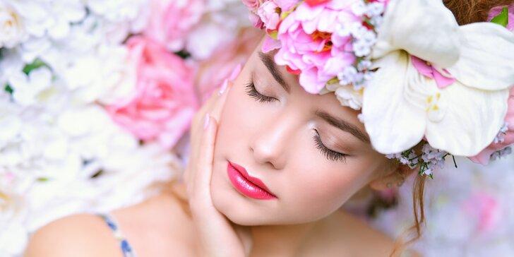 90minutová omlazující péče: luxusní ošetření s účinky růže nebo kustovnice