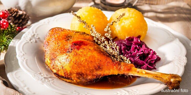 Dozlatova pečená husa s mandlemi, paštička, štrúdl a jiné svatomartinské dobroty