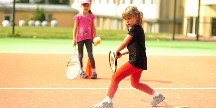 Tenisová škola: lekce profesionálního tréninkového tenisu pro děti