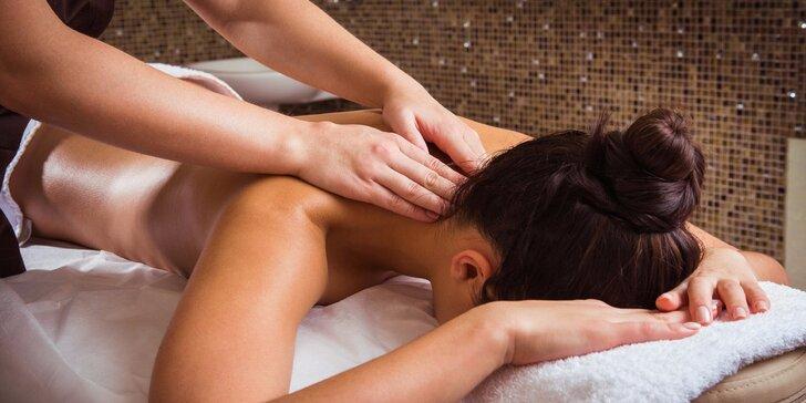 30minutová masáž šíje, zad a ramen kokosovým olejíčkem