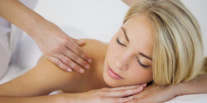 60minutová relaxační masáž dle výběru pro dokonalé uvolnění