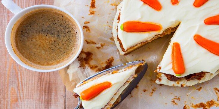 Espresso nebo čokoláda a špaldový nebo bezlepkový medovník či jiný dezert