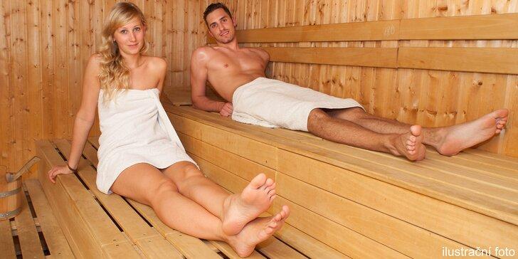 Wellness hýčkání pro 2: 120minutový relax v sauně a vířivé vaně na vlnách Vltavy