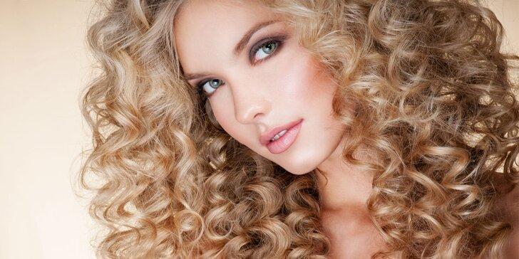 Dámský střih pro všechny délky vlasů v salonu Myslbella