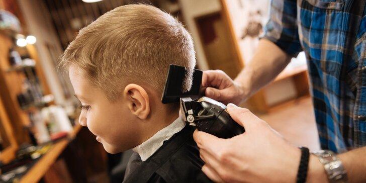 Malí či velcí, líbit se chtějí všichni: péče v barber shopu pro tátu i syna