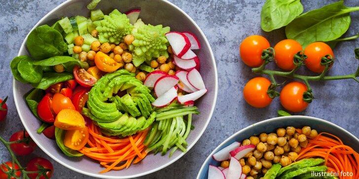 Zdravé polední menu ve veganském bistru: polévka či předkrm a hlavní chod