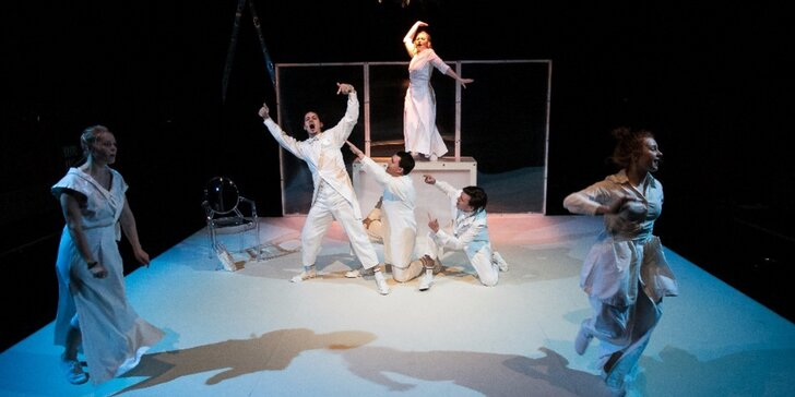 Vstupenka na představení Krvavá Henrieta aneb Jedno jaro v Paříži