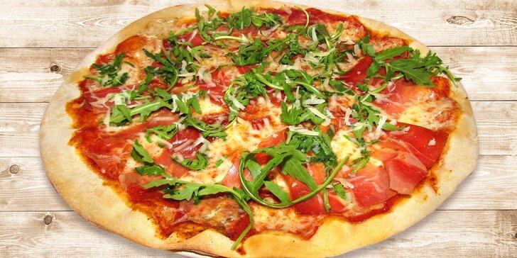 Italské menu pro dva: 2 pizzy a 2 kávy nebo italské stolní víno