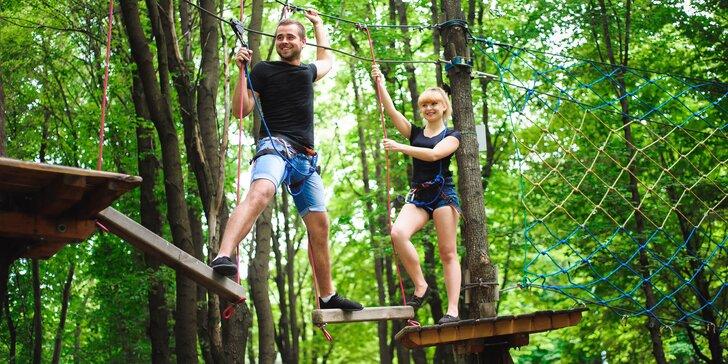 2 hodiny v outdoorovém lanovém parku: pouze nízké nebo i vysoké překážky